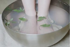 0_167_300_199.581589958_Foot-Bath-1